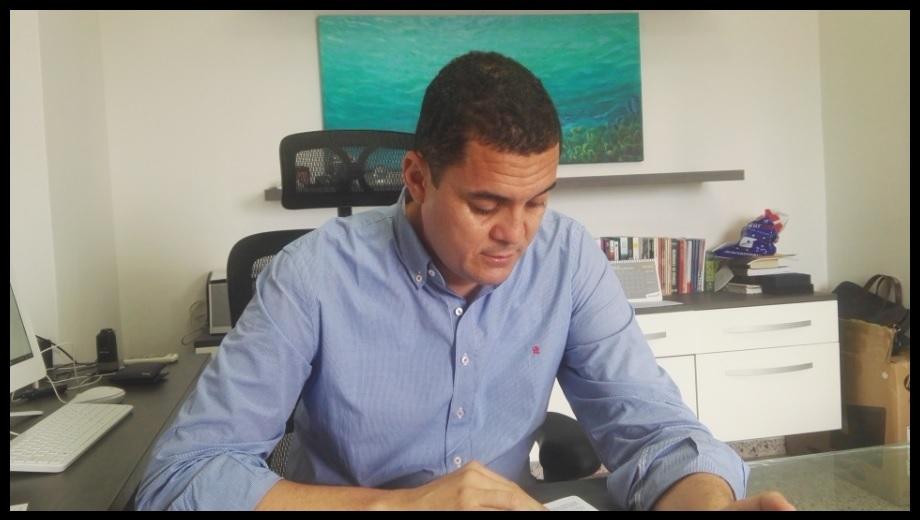El del abogado Javier Doria Arrieta, un triunfo académico muy especial
